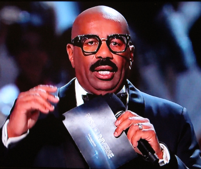 steve-harvey-glasses